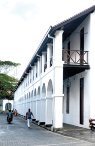 Dutch hospiyal -galle 33