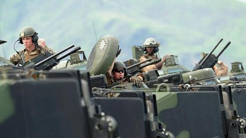 am marines on exercises off phili -AFP