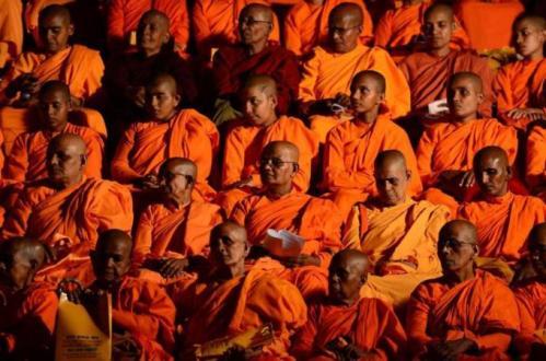 bhikkhus listen to Wirathuv-AFP
