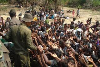 sri-lanka-army-with-civilians