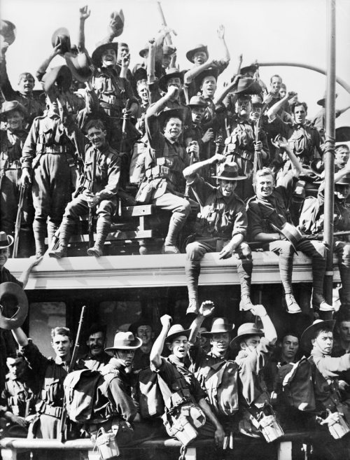 The Australian Naval and Military Expeditionary Force (AN&MEF) aboard one of the Sydney ferries that took them to Cockatoo Island before departing for New Guinea. Courtesy of Australian War Memorial A03272