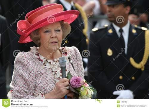 queen-beatrix-netherlands-4252710