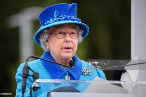 Queen speaking--www.gettyimages.ca